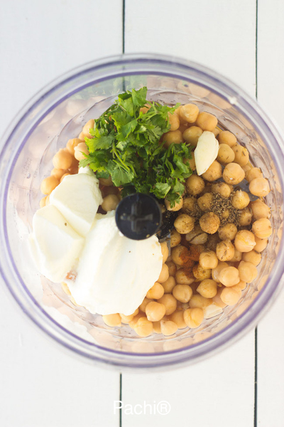 Hummus for Clyde (32 tablespoons)