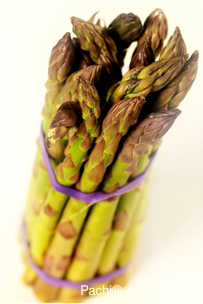 Asparagus with mango ginger sauce